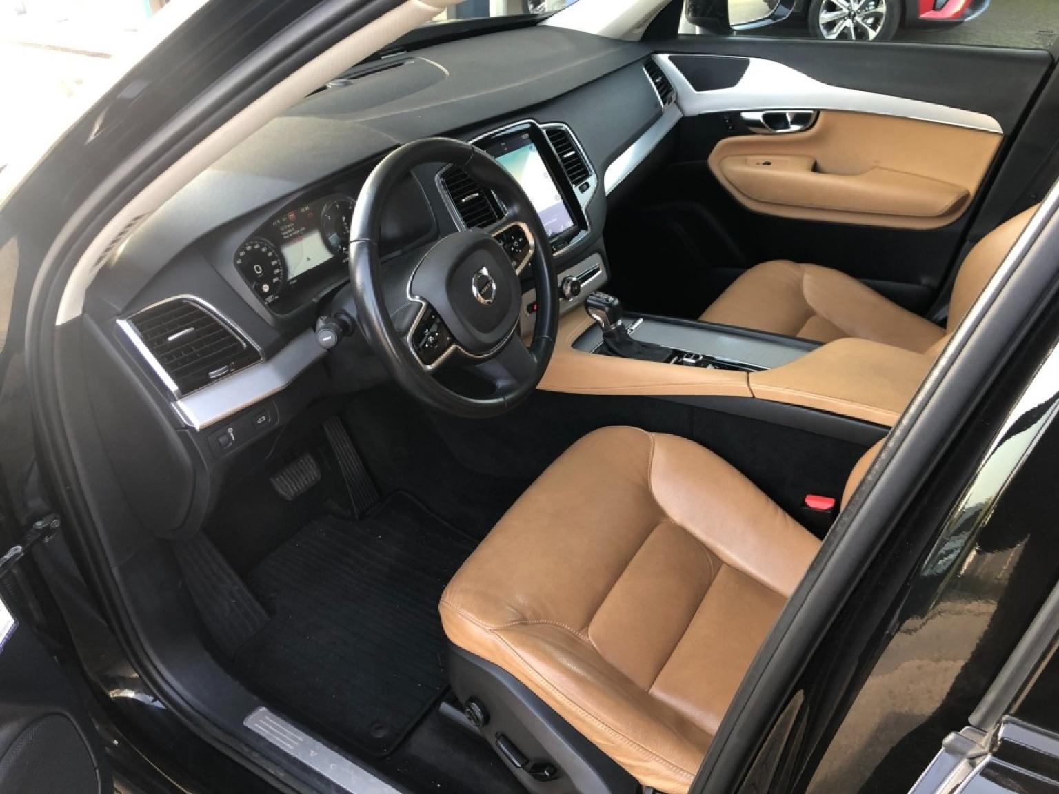 Volvo-Xc90-11