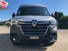 Renault-Master-1