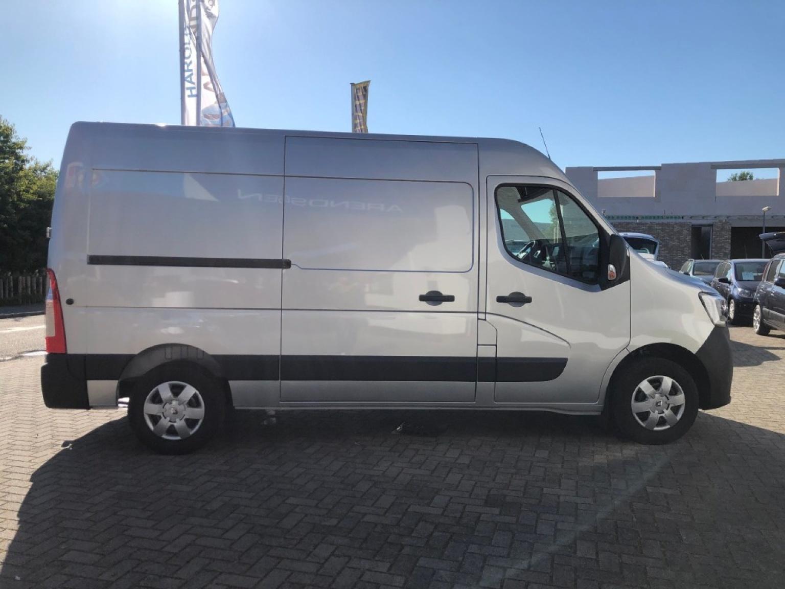 Renault-Master-3